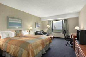King Room with Parking and Airport Transfer