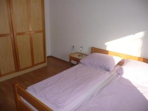 Two-Bedroom Apartment in Rab X, Apartmanok  Barbat na Rabu - big - 4