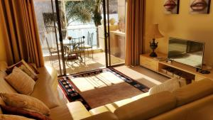 Deluxe King Suite with Garden View