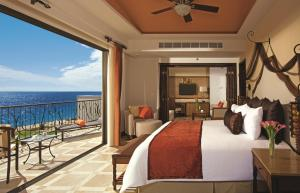 Swimout Master Suite with Ocean View