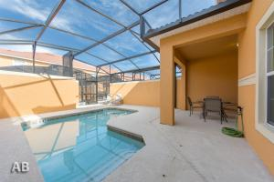 Deluxe Four-Bedroom Townhouse with Pool 8931 Paradise Palms Resort