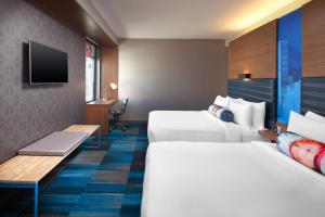 Aloft Queen Room with Two Queen Beds