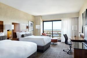 King or Double Room with Marina View - Concierge Level