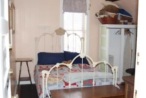 Double Room with Twin and Full Bed