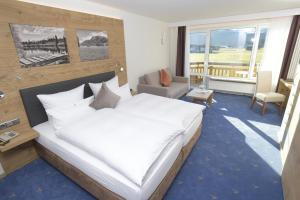 Deluxe Double Room With Panoramic Mountain View