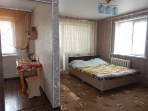Apartment on Stepana Khaltyrina, 36, Appartamenti  Ufa - big - 1
