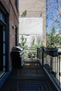 Four-Bedroom Apartment - West 21st Townhouse