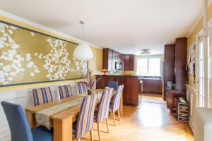 Four-Bedroom Apartment - Middagh Street
