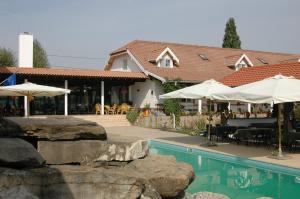 Photo of Country Club La Mesteceni