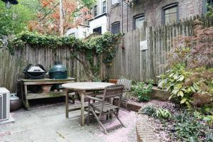 Three-Bedroom Apartment - 3rd Street Townhouse