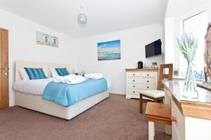 Avon Beach Bed & Breakfast in Christchurch, Dorset, England