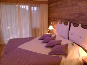 Double or Twin Room with Garden View (12)