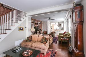 Three-Bedroom Apartment - 8th Street Townhouse