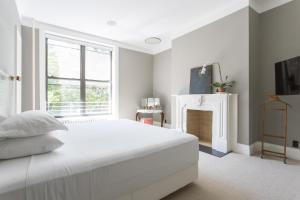 Three-Bedroom Apartment - Willow Street II