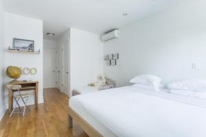 One-Bedroom Apartment - Litchfield Place II