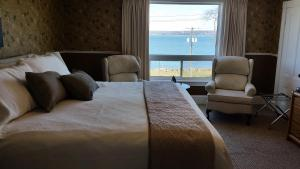 King Room with Private External Bathroom and Sea View
