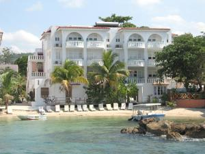 Photo of Franklyn D Resort & Spa