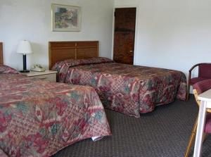 Standard Room with Two Double Beds
