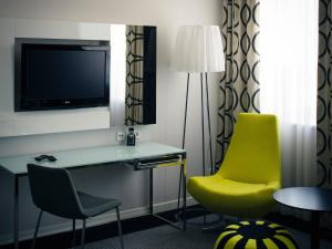 Apartament typu Junior Suite ze wstępem do salonu Lounge w cenie