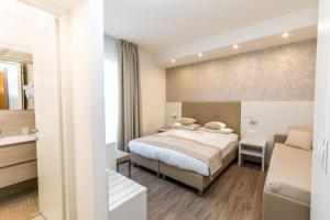 Hotel Touring, Hotely  Lido di Jesolo - big - 36