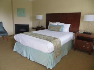 Two Queen Beds with Ocean View and Fireplace