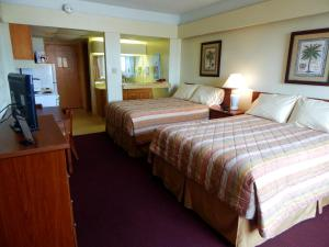 Standard Room with Two Double Beds with North Partial Ocean View