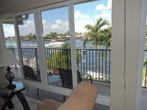 One-Bedroom Apartment with Intracoastal View