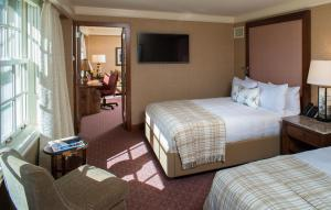 Lodge Premium Queen Suite with Two Queen Beds