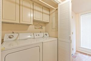 OV - Three Bedroom Townhouse sleeps 10