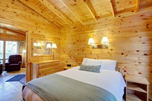 Chalet with Queen Room