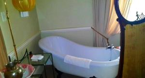 Superior Double Room with Bath - Main House (18)