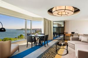 Deluxe Suite Bosphorus view