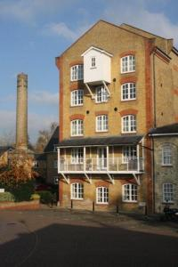 Parks Serviced Apartments in Hertford, Hertfordshire, England