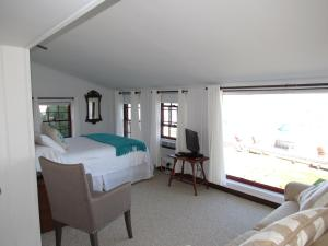 Deluxe Quadruple Room with Sea View