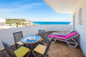 2 Bedroom Apartment With Ocean Views, Apartments  Luz - big - 1