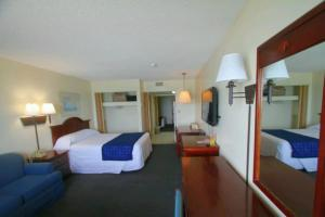 2 Room Oceanfront Efficiency Suite on Sundeck with 2 Queens and 1 Sleeper Sofa - T14