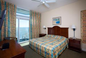 2 Bedroom 2 Bath Oceanfront Condo with 1 King, 2 Queens and 1 Sleeper Sofa - T20