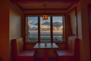 Queen Studio Kitchenette with Ocean View