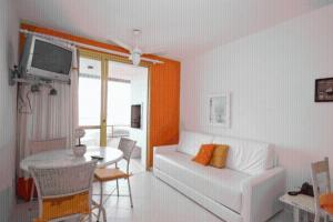 One-Bedroom Apartment with Balcony and Barbecue Facilities (2 Adults)
