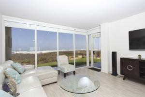 Apartment with Sea View #10