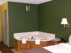 King Room with Spa Bath - Non-Smoking