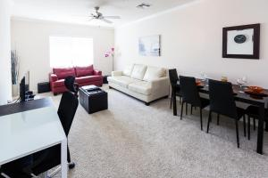 Premier One-Bedroom Apartment On Franklin Avenue