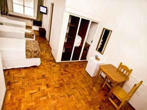 Triple Room with Three Single Beds