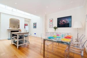 FG Property - Onslow Gardens Base in London, Greater London, England