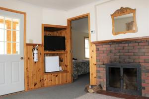 Two Bedroom Cottage - Tally Two
