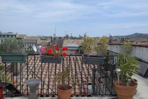 Penthouse Apartment overlooking Place Carnot, Apartmány  Carcassonne - big - 7