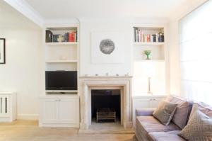 Beautiful Three Bed with roof terrace, Slaidburn St, Chelsea in London, Greater London, England
