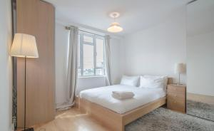 Bed Penthouse Apartment In Old Street in London, Greater London, England