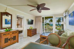 One Bedroom Panoramic Ocean View Suite