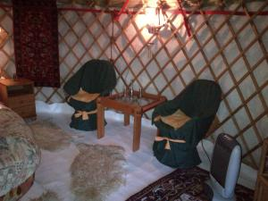 Almond Grove Yurt Hotel, Zelt-Lodges  Ábrahámhegy - big - 23